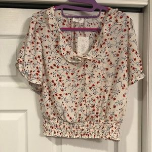 NWT! Super cute white blouse with floral print
